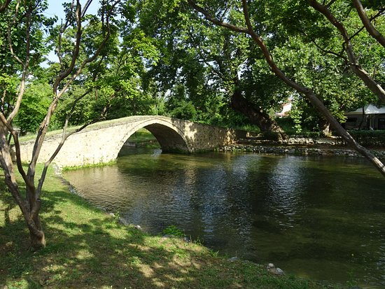 byzantine-bridge-kioupri