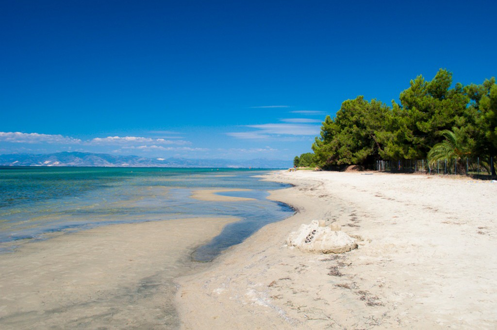 skala-rachoni-city-beach-thassos-1
