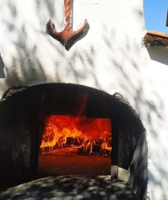 stone oven giorgos taverna
