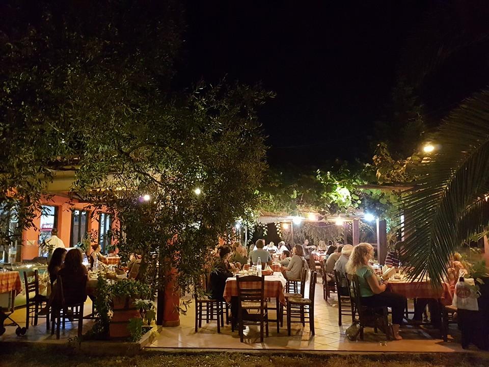 taverna giorgos kinira