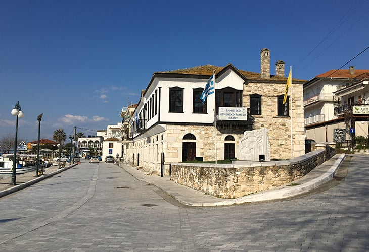 Get to limenas thassos with a taxi